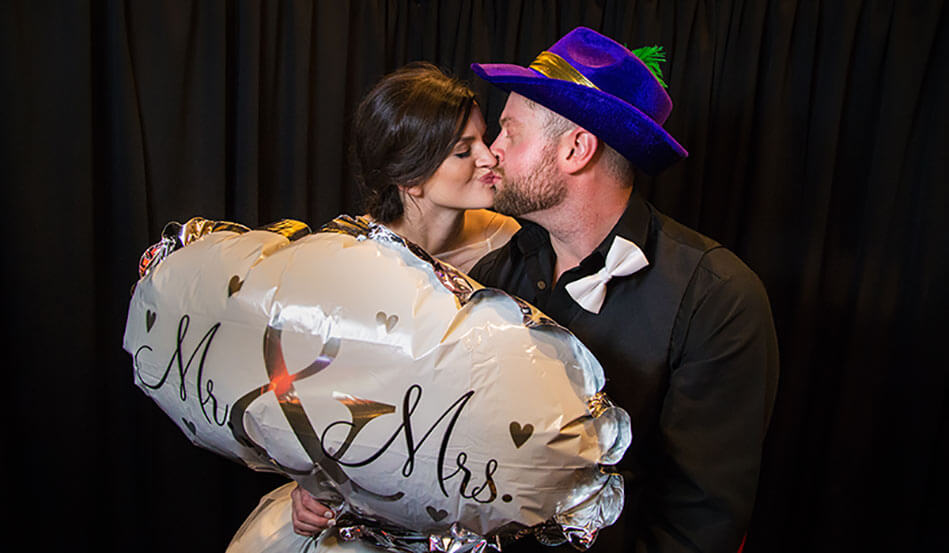 Oklahoma City Photo Booth Rentals | A Guide to Booking a Photo Booth (2019)