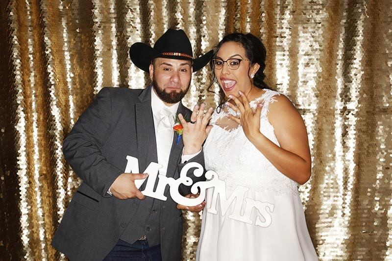 Top 5 Reasons You Need a Photo Booth for Your Wedding