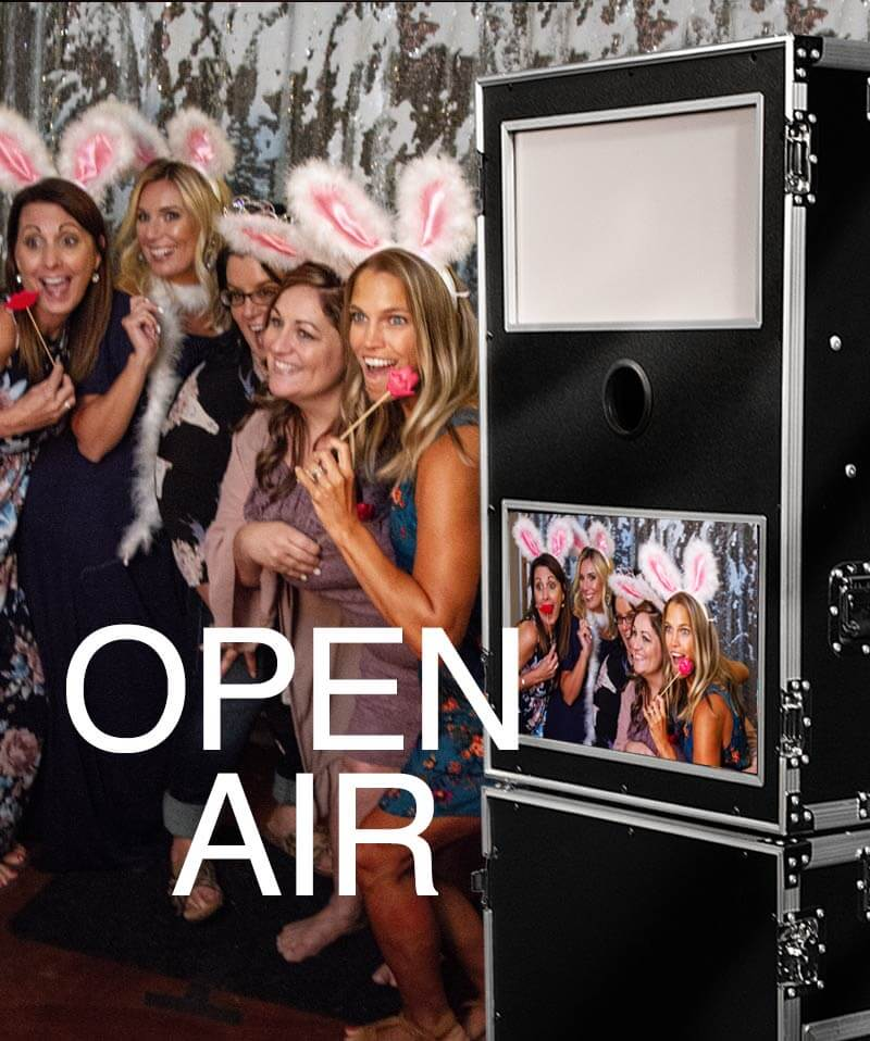 wedding and party photo booth rental with cheap package prives for all events such as weddings, parties, birthdays, proms, graduations, corporate, holiday, christmas, new year's, trade shows. bar-mitzvavahs, bat-mitzvahs, dances, socials, retirement, schoool and church gatherings.