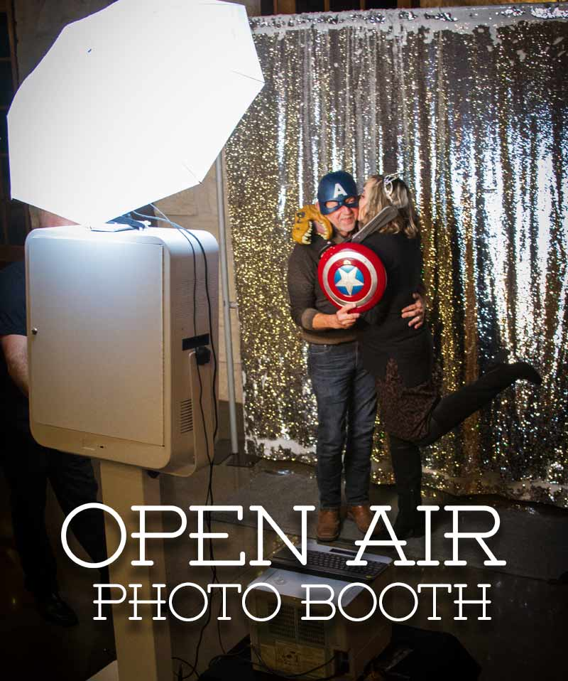 party photo booth rental with cheap package prives for all events such as weddings, parties, birthdays, proms, graduations, corporate, holiday, christmas, new year's, trade shows. bar-mitzvavahs, bat-mitzvahs, dances, socials, retirement, schoool and church gatherings.